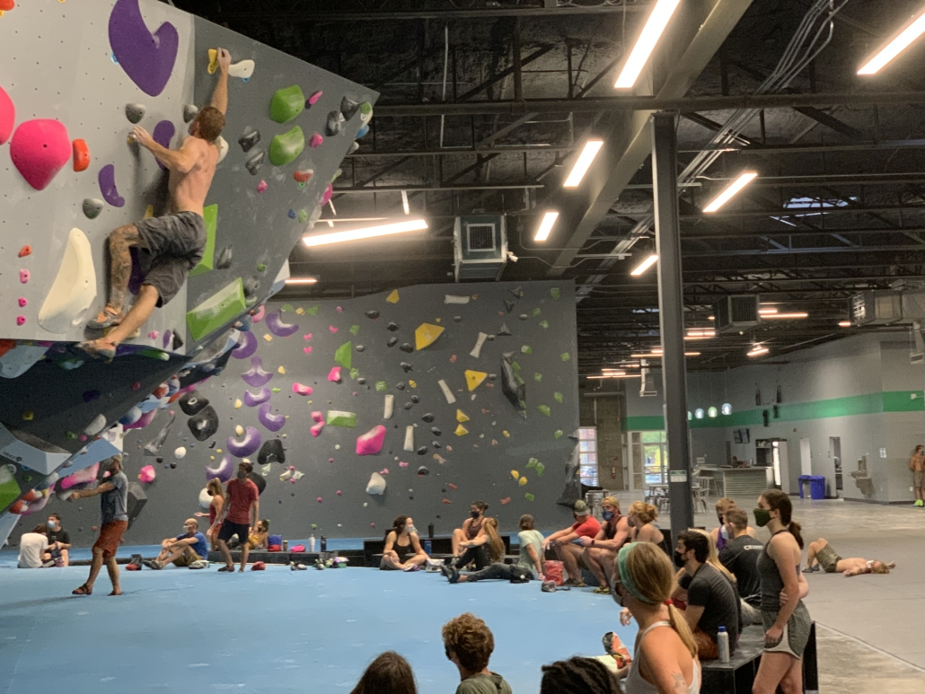 Crowded Bouldering Session